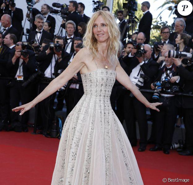 Sandrine Kiberlain, habillée d'une robe Haute Couture Christian Dior - Cérémonie d'ouverture du 70e Festival International du Film de Cannes. Le 17 mai 2017 © Borde-Jacovides-Moreau/Bestimage