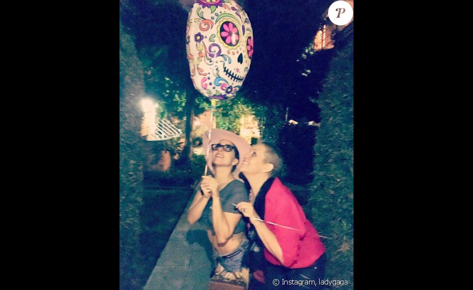 Lady Gaga a perdu sa meilleure amie Sonja, qui luttaint contre un cancer - Photo publiée sur sa page Instagram le 22 mai 2017