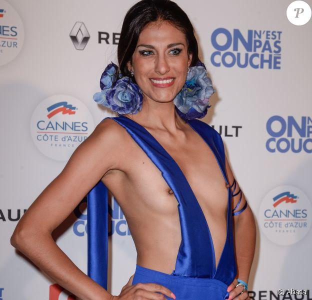 Abigail Lopez dans une tenue très osée à la soirée On n'est pas couché lors du 70e Festival de Cannes le 24 mai 2017.