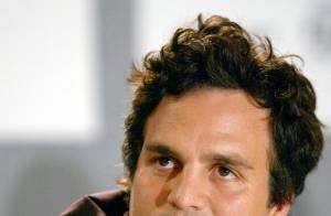 Mark Ruffalo recommence à travailler après l'assassinat non élucidé de son frère...