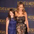 """Christine Taylor et sa fille Ella Stiller - Première du film """"Une Nuit au Musée : le secret des Pharaons"""" à New York le 11 décembre 2014"""
