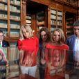 Brigitte Macron (Trogneux) femme du président français E.Macron, Amanda Succi (compagne du maire de Catane E. Bianco) , Malgorzata Tusk, la femme de D. Tusk (Président du conseil Européen) et Joachim Sauer le mari de la chancelière allemande A. Merkel - Les conjoints des chefs d'États du G7 en visite à la bibliothèque de Catane en Sicile le 26 mai 2017 © Sébastien Valiela / Bestimage