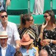 Juan Arbelaez, sa compagne Laury Thilleman (Miss France 2011) et sa soeur Julie - Les célébrités dans les tribunes lors des internationaux de France de Roland-Garros à Paris, le 4 juin 2017. © Dominique Jacovides-Cyril Moreau/Bestimage