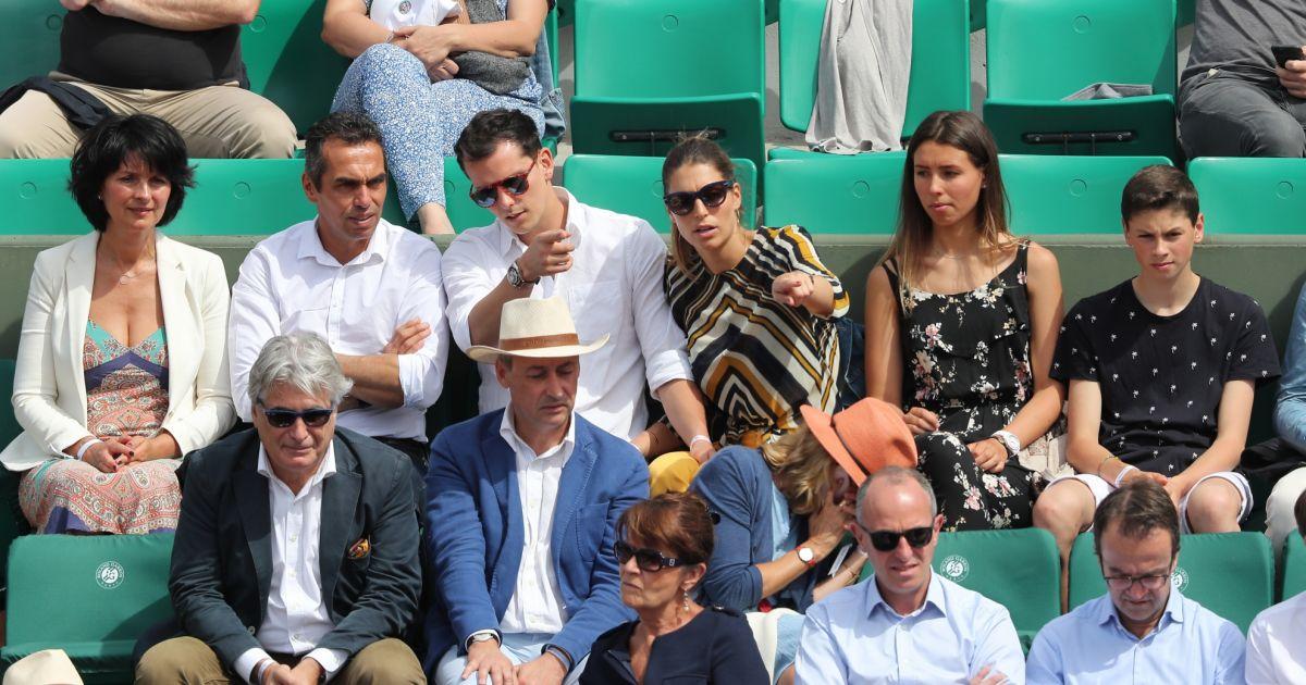 Juan arbelaez et sa compagne laury thilleman miss france 2011 entour e de sa famille son p re - Sophie jovillard et sa compagne ...