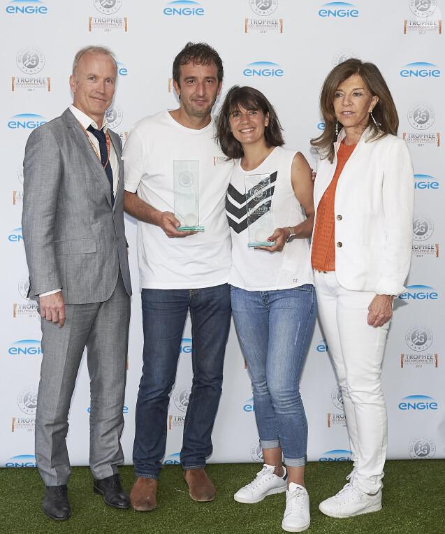 Cyrille Eldin, Estelle Denis et Framboise Holtz lors de la dernière journée du Trophée des Personnalités de Roland-Garros le 8 juin 2017.