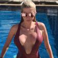 Jessica Thivenin très sexy et très décolletée le 16 mai 2017 sur Instagram.