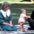 Archives : Le Prince Charles, sa femme Lady Diana et leur fils William en Australie en 1983