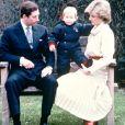 Archives : Le prince William avec ses parents le Prince Charles et Lady Diana en 1983