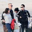 Exclusif - Katy Perry arrive avec son compagnon Dj Diplo (Wesley Pentz), ses amis et des membres de sa famille ( 70 personnes au total) en jet privé à l'aéroport du Bourget le 26 octobre 2014, en provenance de Marrakech au Maroc ou elle à fêté son trentième anniversaire.