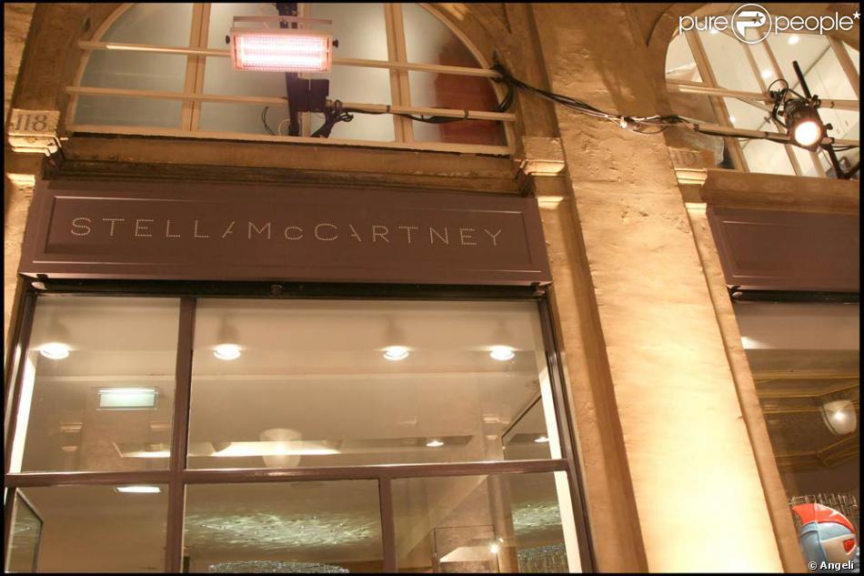 la boutique stella mccartney située au 114-121 galerie de valois