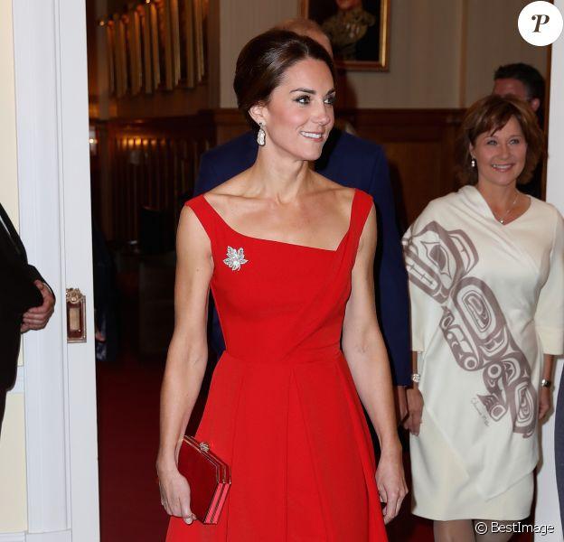 """Le prince William et la duchesse de Cambridge Kate Middleton, habillée d'une robe Preen by Thornton Bregazzi, assistent à la """"Black Rod Ceremony"""" à la """"Government House"""" à Victoria, au Canada. Le 26 septembre 2016."""