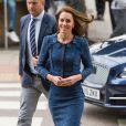 Catherine Kate Middleton, duchesse de Cambridge, rencontre le personnel du Kings College Hospital qui est intervenu après les attentats de Londres. Le 12 juin 2017.