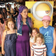 Tori Spelling s'est teint les cheveux en violet - Photo publiée sur sa page Instagram le 16 juin 2017