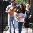 Roselyn Sanchez, son mari Eric Winter, et leur fille Sebella à West Hollywood le 14 octobre 2012