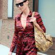 Heidi Klum quitte son hôtel à New York le 23 juin 2017.