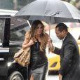 Heidi Klum arrive sous la pluie pour le tournage de 'America's Got Talent' à New York le 23 juin 2017.