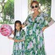 Beyoncé, enceinte de ses jumeaux, pose avecv sa fille Blue Ivy à l'occasion de la fête des mères. Le 20 mai 2017.