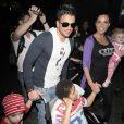 Katie Price (Jordan) et sa famille arrivent à l'aéroport de Los Angeles