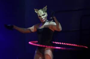 Grace Jones : entre OVNI et tenue SM... toujours plus d'extravagance !