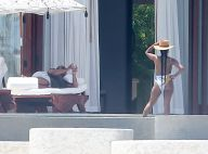 Queen Latifah amoureuse : En maillot, sa sexy chérie dévoile ses jolies courbes