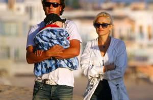 Balade sur la plage pour Gwen Stefani et son adorable famille... son petit Kingston est une vraie pile électrique !