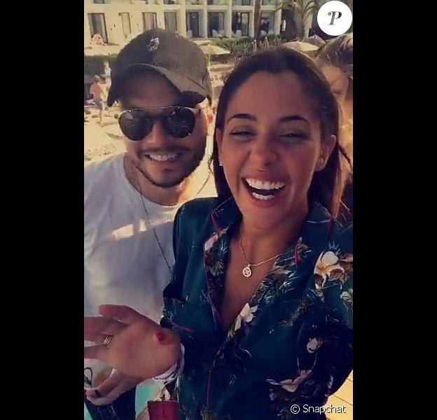 Coralie Porrovecchio et Noam Adams (petit frère de Kev Adams), le 6 juillet 2017 à Ibiza.