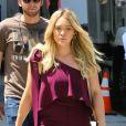 """Hilary Duff sur le tournage de la série """"Younger"""" à New York le 13 juin 2017."""