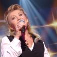 Sheila interprète Loin d'ici pour Le Grand Show en hommage à Michel Delpech, samedi 23 janvier 2016 sur France 2