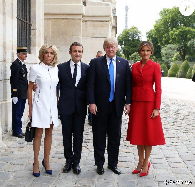 Brigitte Macron Classe Et Pure Au Cote De Melania Trump Face A Leurs Maris Purepeople