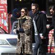 Alexa Chung et Alexander Skarsgard dans les rues de New York, le 23 mars 2017