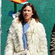 Alexa Chung se promène dans les rues de New York, le 4 mai 2017