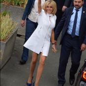 """Brigitte Macron subjugue un grand couturier: """"Les plus belles jambes de Paris !"""""""