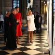 Brigitte Macron (Trogneux) et Melania Trump (habillée en Dior) visitent la cathédrale Notre-Dame de Paris, le 13 juillet 2017. © Sébastien Valiela/Dominique Jacovides/Bestimage  No web/No blog pour Belgique/Suisse For Germany call for price French first lady Brigitte Macron is visiting Notre-Dame de Paris cathedral with Melania Trump (habillée en Dior) in Paris, France, on July 13th 2017.13/07/2017 - Paris