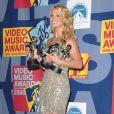Britney Spears en septembre 2008 aux MTV awards arbore une mine resplendissante, normal, elle a trois prix dans les bras !