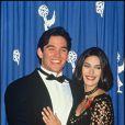 Dean Cain et Teri Hatcher en 1993. A l'époque de la série Les Nouvelles aventures de Superman, son visage est plus que rayonnant.