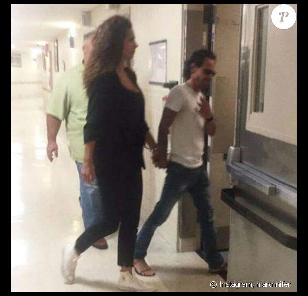 Marc Anthony vient de perdre sa mère. Il était allé lui rendre visite à l'hôpital avec sa nouvelle chérie Raffaela - Photo publiée sur Instagram, le 25 juillet 2017
