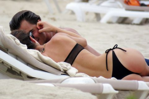 Tini (Violetta) : En vacances avec son amoureux, la star argentine se régale !