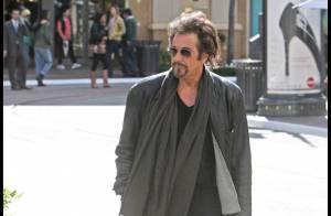 Al Pacino, toujours un look incroyable... même pour une promenade avec son fils !
