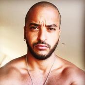"""Slimane publie par erreur une photo de lui en slip : """"Je suis vraiment con"""""""