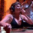 """Caroline Ithurbide dans le Spa de """"Fort Boyard"""" sur France 2."""