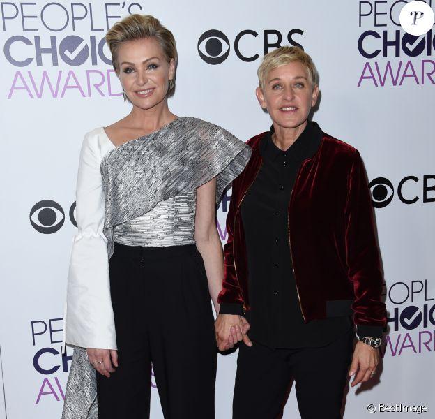 Ellen Degeneres et sa femme Portia de Rossi à la soirée des People's Choice awards à Los Angeles, Californie, Etats-Unis, le 18 janvier 2017.