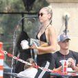 Exclusif - Miley Cyrus est allée acheter des yaourts glacés avec sa mère Tish à Point Dume à Malibu, le 25 juillet 2017