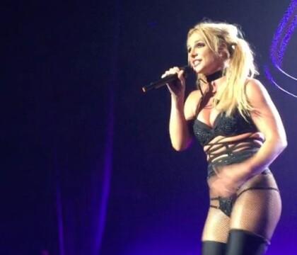 Britney Spears : Agacée par les critiques, elle réplique et chante... en live !