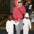 Madonna arrive à l'aéroport de NYC avec ses enfants Estere, Stella, Mercy James et Lourdes à New York, le 20 août 2017
