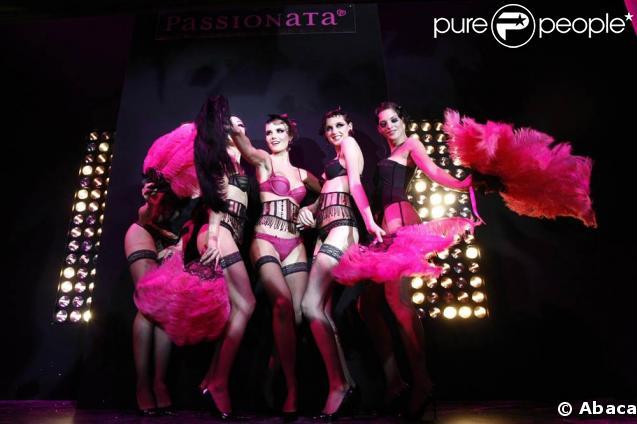 Le show Passionata... plumes et dentelle pour une ambiance très cabaret !