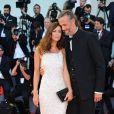 Anna Mouglalis et un homme - Première du film Downsizing lors de la cérémonie d'ouverture du 74e festival de Venise le 30 aout 2017.