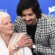 "Judi Dench;Ali Fazal au photocall de ""Victoria and Abdul"" lors du 74ème Festival International du Film de Venise (Mostra), le 3 septembre 2017.  Celebrities at the photocall of ""Victoria and Abdul"" during the 74th Venice International Film Festival (Mostra), September 3rd, 2017.03/09/2017 - Venise"