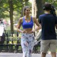Exclusif - Iris Mittenaere, Miss France et Miss Univers 2016, en pleine interview pour une télévision française à Central Park à New York, le 31 août 2017