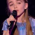 """Angelina lors de la demi-finale de """"The Voice Kids 4"""" (TF1), le 23 septembre 2017."""