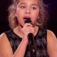 """Ilyana lors de la demi-finale de """"The Voice Kids 4"""" (TF1), le 23 septembre 2017."""
